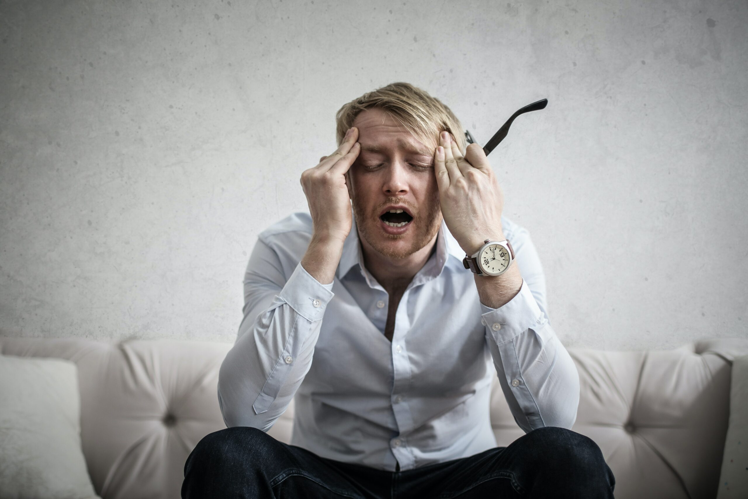 10 Signs of a Toxic Work Environment
